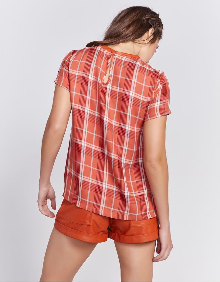 181019100_0074_040-T-SHIRT-PLAID-AND-LEATHER