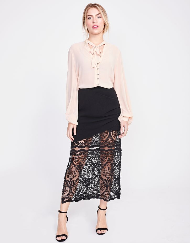 181099600_0003_010-SAIA-PLEATS-LACE