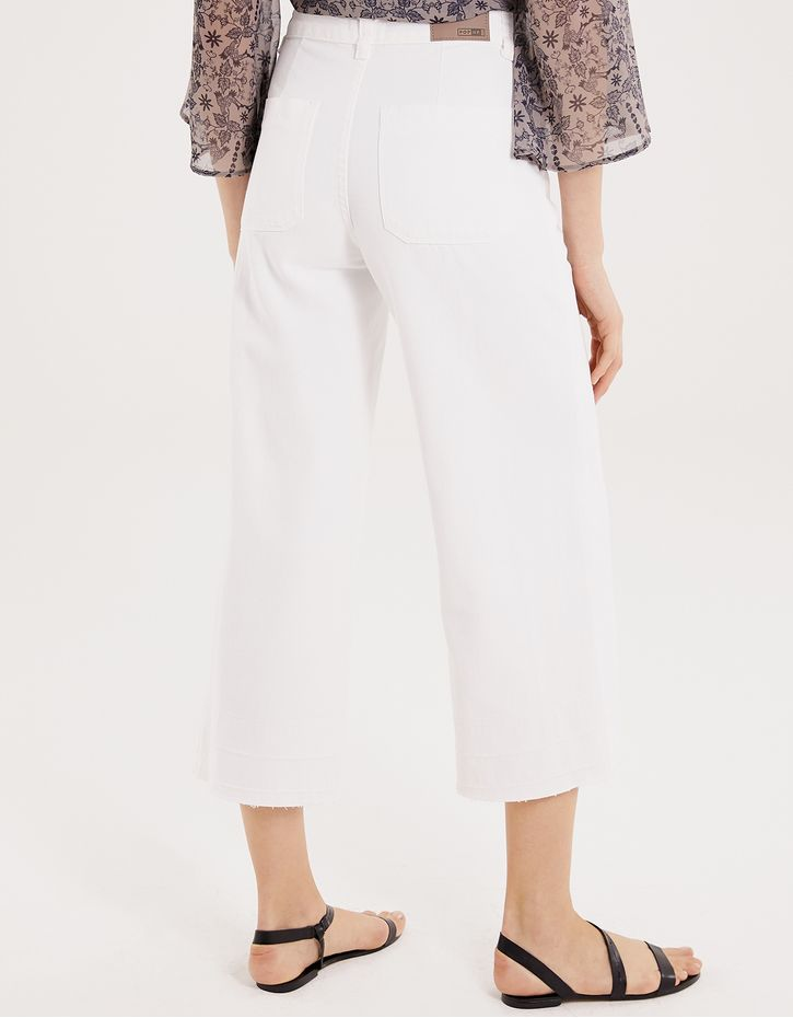 182379500_0079_040-PANTACOURT-WHITE-DENIM